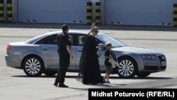 Angelina Jolie po dolasku na sarajevski aerodrom
