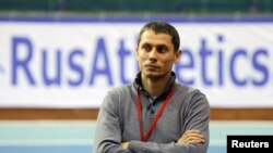 Юрий Борзаковский, Россиялъул атлетикияб тIаса бищараб командаялъул бетIерав тренер.
