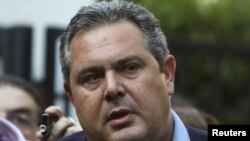 Министерот за одбрана на Грција, Панос Каменос.