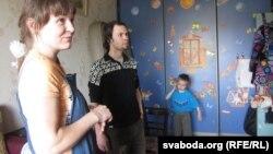 Вера Бурлак, Віктар Жыбуль, іх сын Кастусь.