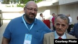 Гершом Киприсчи-Киприос и Мустафа Джемилев на Всемирном конгрессе крымских татар в Анкаре