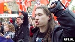 Григорий Торбеев (справа) на Дне гнева, 1 мая 2010