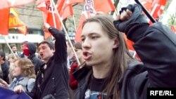 Григорий Торбеев на первомайской демонстрации, 1 мая 2010