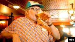 Доза алкоголя, безвредная в молодости, в пожилом возрасте может представлять серьезную угрозу