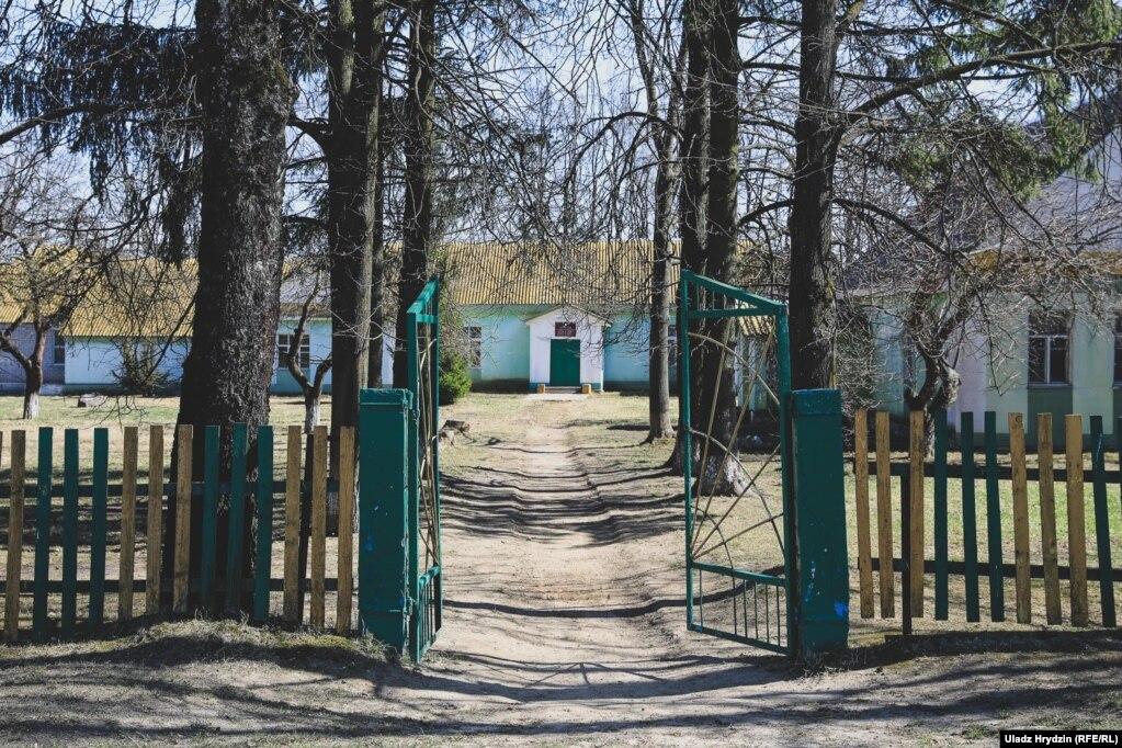 Школа в Акунёвцы