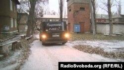 Напис на машині волонтера і активіста з Торецька Володимира Єльця