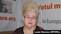 Dr. Ana Grati în studioul Europei Libere