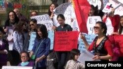 Бишкекте аялдардын укуктарына арналган акция.