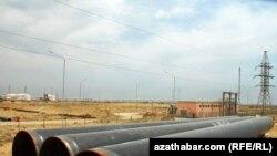 لولههای گاز در هزار ترکمنستان