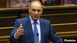 Armenia - Finance Minister Gagik Khachatrian speaks in the parliament in Yerevan, 16Mar2016.