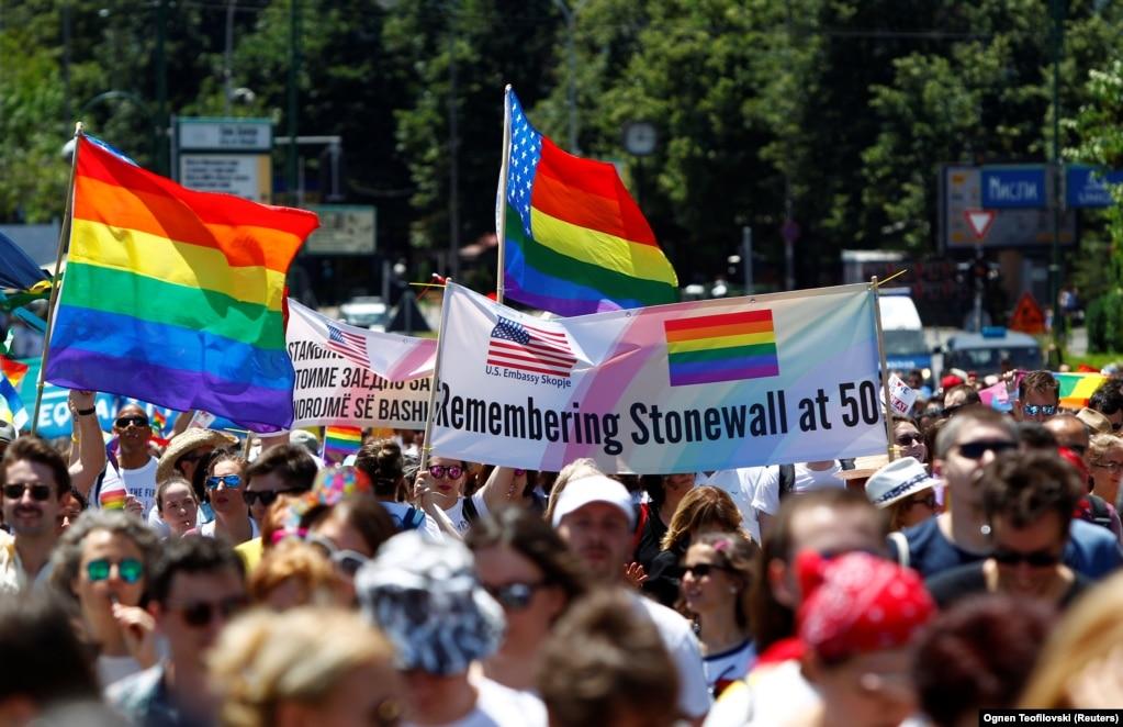 Як ЛГБТ+ отримали свої права