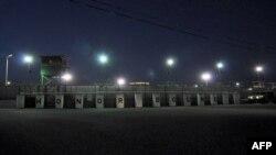 Вид на тюрьму на американской базе Гуантанамо.