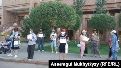 Таҷаммуи занон дар шаҳри Нурсултон зидди кӯдакозорӣ. 3 август, 2020.