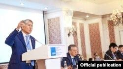 Алмазбек Атамбаев. КСДП съезди, 31-март