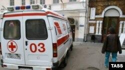 Всю ночь работали кареты «скорой помощи», доставлявшие в районную больницу детей в возрасте от полутора до 6 лет