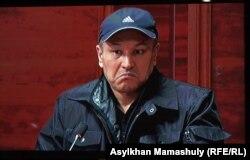 Рустам Ибрагимов выступает на суде. Кадр из видеотрансляции из зала суда. Каскелен, 27 января 2014 года.