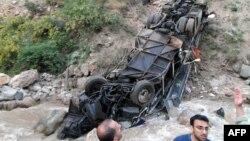 سقوط یک اتوبوس در دره در شمال ایران
