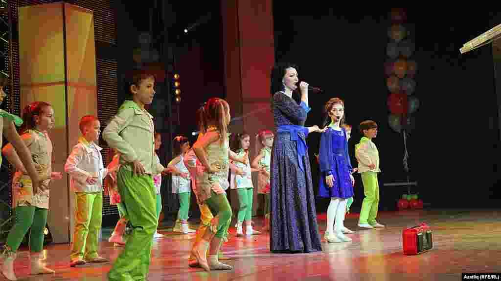 Илмира Сөләйманова кызы белән