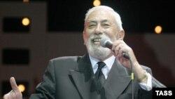 Танымал грузин әртісі һәм әншісі Вахтанг Кикабидзе.