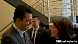 Presidentja Atifete Jahjaga në takim me kryetarin e Partisë Demokratike në Shqipëri Lulzim Bash.