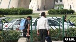 بنا بر اعلام مرتضی تمدن، استاندار تهران، فقط ۱۸ هزار نفر برای بیرون رفتن از پایتخت مصر اند