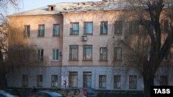 Иллюстрационное фото. Больница в Донецке, поврежденная обстрелом. Февраль 2015 года