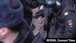 Під час затримань, центр Москви, 14 березня 2020 року