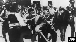 Арест сербского националиста Гаврило Принципа, совершивего покушение на эрцгерцога Австрии Франца Фердинанда. Сараево, 28 июня 1914 года.