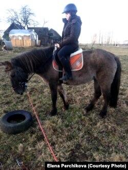 Тася на коне