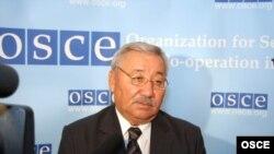 Оралбай Абдыкаримов, депутат казахского парламента.