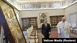 Владимир Путин и папа римский Франциск на встрече в Ватикане, 4 июня 2019 года