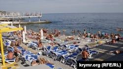 Массандровский пляж в Ялте
