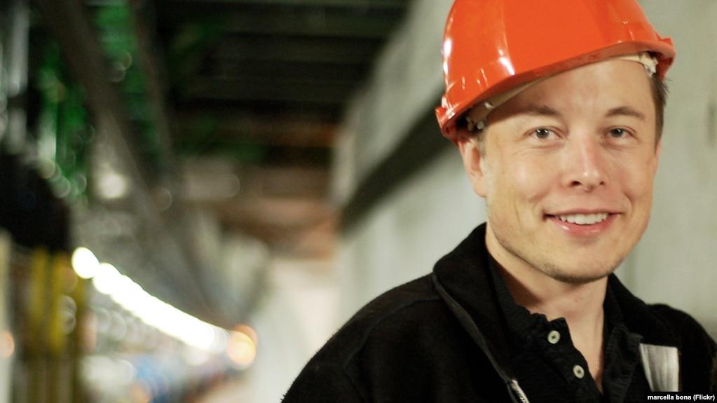 Илон Маск показал видео из тоннеля для беспилотных электробусов