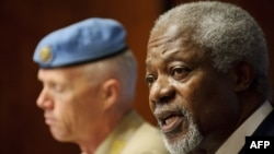 Former UN Secretary-General Kofi Annan (right) speaks to the media during a press conference at the UN office in Geneva on June 22.