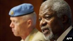 Глава миссии международных наблюдателей в Сирии Роберт Муд и международный посланник Кофи Аннан