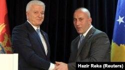 Kryeministri i Malit të Zi, Dushko Markoviq dhe kryeministri i Kosovës, Ramush Haradinaj