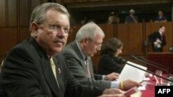دیوید كى می گوید: آمريكا نبايد بمباران تاسيسات اتمى ايران را در دستور كار خود قرار دهد مگر اينكه سلاح اتمى از سوى تهران در اختيار يك گروه تروريستى قرار گيرد. (عکس: AFP)