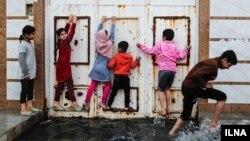 تصویری از منطقه کوت عبدالله که درگیر سرریز فاضلاب شده است