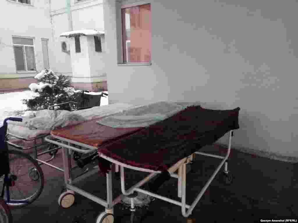 Әзірге толық емес ақпарат бойынша, 24 адам зардап шеккен. №1 Алматы облыстық ауруханаға жеткізілген алты адамның бесеуінің жағдайы ауыр. №4 қалалық клиникалық ауруханаға 19 адам жеткізілген.
