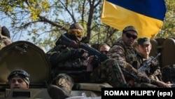 Українські бійці в зоні бойових дій на Донбасі (ілюстраційне фото)