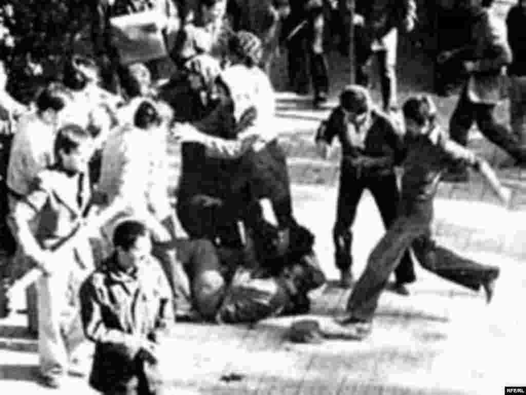 دانشجویان در سال ۱۳۵۷ در خط مقدم انقلابیون هستند.