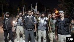 Սիրիացի ապստամբները Հալեպում մարտի են պատրաստվում, 2-ը օգոստոսի, 2012թ.