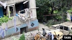 В результате взрыва в жилом доме в Сочи погибли два человека, несколько десятков - пострадали