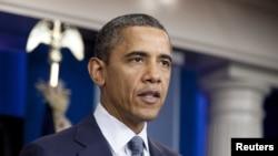 АҚШ президенті Барак Обама Ақ үйде сөз сөйлеп тұр. Вашингтон. 21 қазан, 2011 жыл.