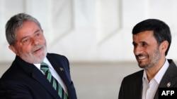 Brazilian President Luiz Inacio Lula da Silva (left) with Iranian counterpart Mahmud Ahmadinejad in Brasilia in November