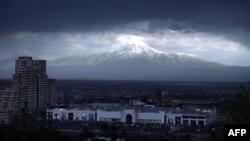 Армения - Гора Арарат с армянской стороны