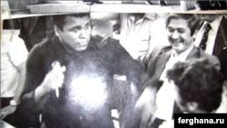 Муҳаммад Али 1978 йилда Тошкент ва Самарқандга сафар қилганида унга Руфат Рисқиев ҳамрохлик қилганди.