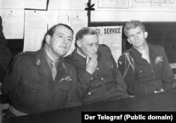 Британский комендант Берлина сэр Джоффри Борн, французский комендант Жан Жаневаль и американский комендант Фрэнк Л.Хоули. Март 1949