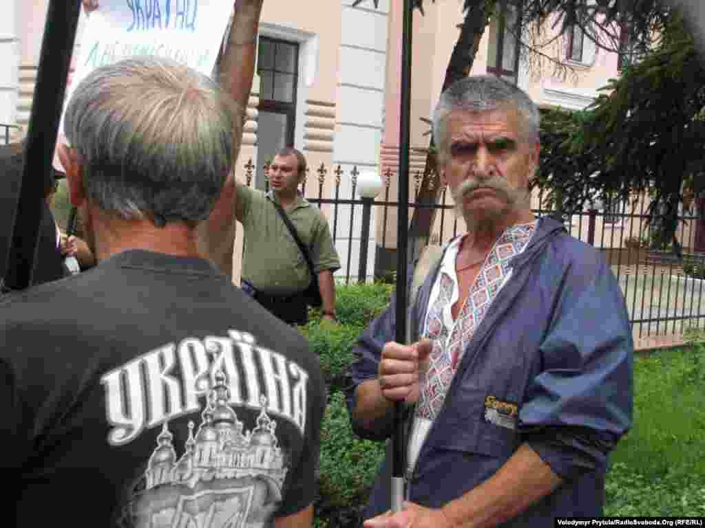 Активісти приїхали з кількох регіонів Криму.