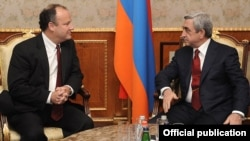 Armenia - President Serzh Sarkisian (R) meets with Deputy Assistant Secretary of State Eric Rubin in Yerevan, 27Jan2012.